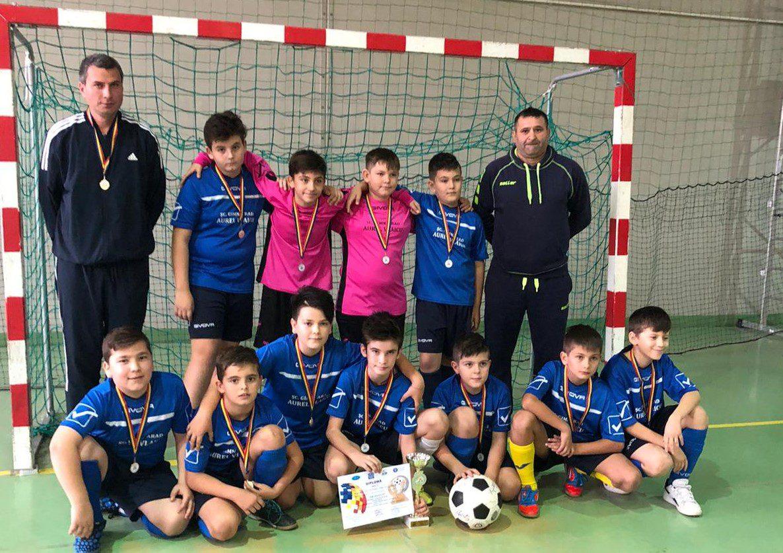 """Echipa Şcolii Gimnaziale """"Aurel Vlaicu"""" a câștigat ediția a 6-a a """"Arad Cup"""""""
