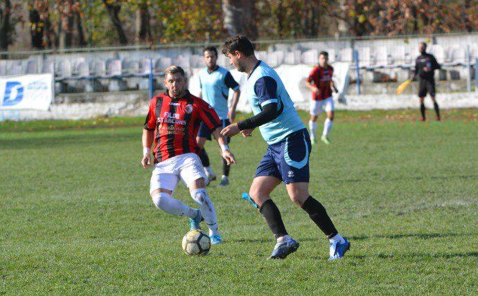 "Zărăndanii s-au simțit vânați, ""roș-negrii"" iernează în play-off: CS Ineu – Unirea Sântana 1-1 + FOTO"