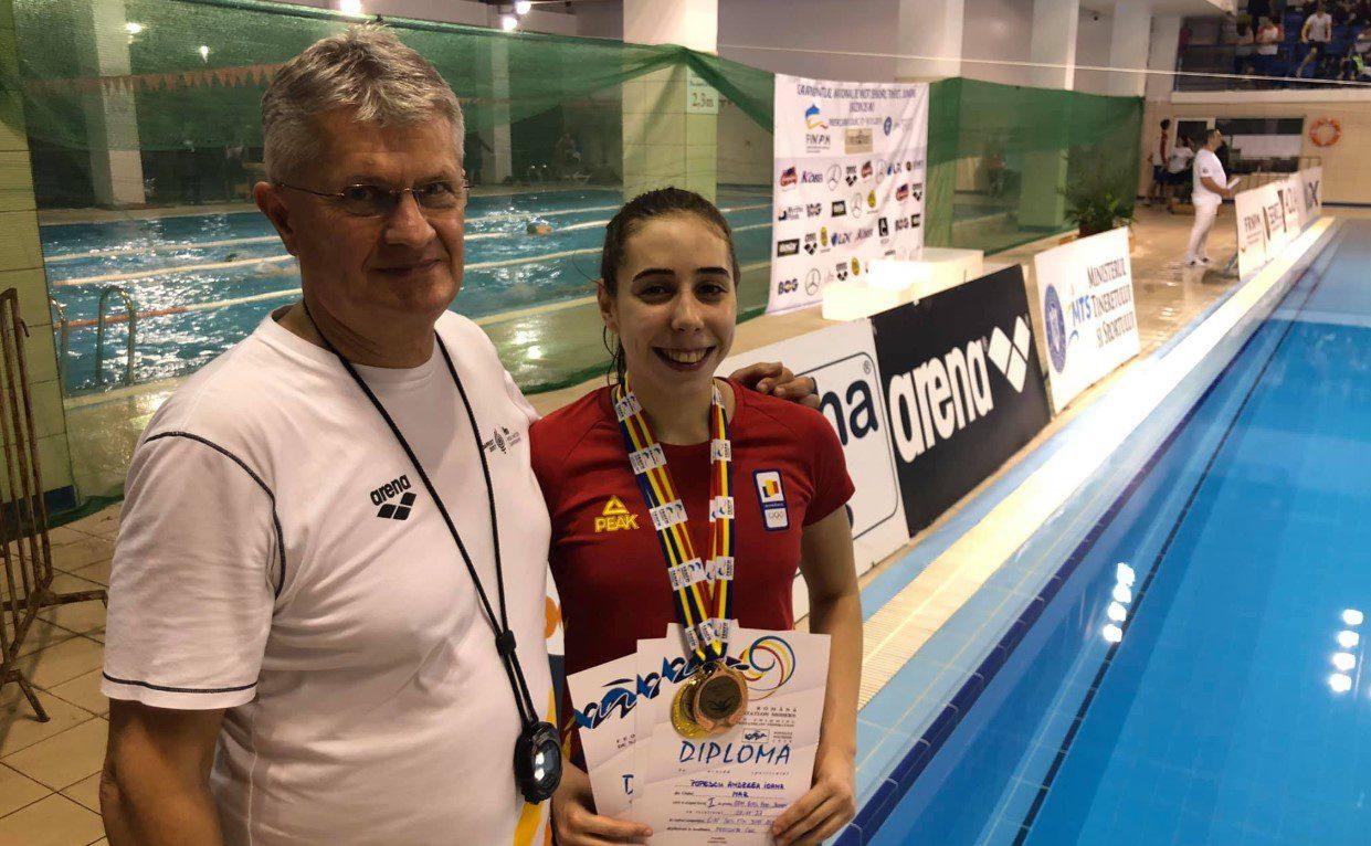 Înotătorii au competiţii în toamnă, Andreea Popescu pleacă în stagiu de pregătire la Izvorani