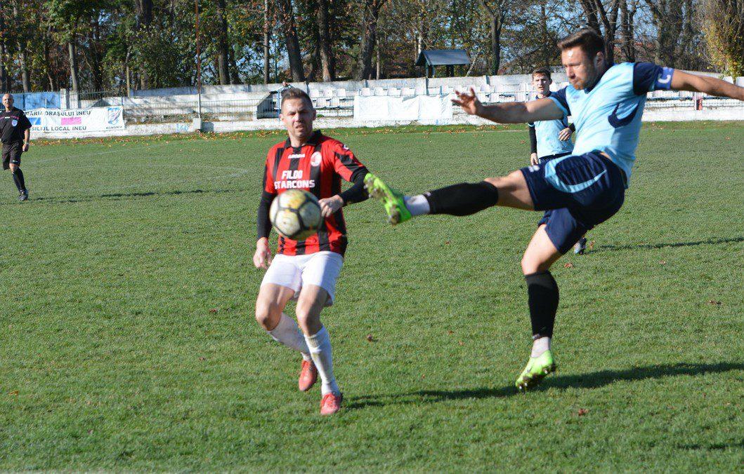 Primele șase echipe din Liga 4-a Arad vor să mai intre pe teren în acest sezon, însă doar două susțin că pot respecta protocolul! AJF-ul așteaptă mutarea autorităților
