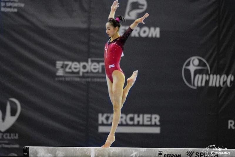 """Din nou, la Deva! Arădeanca Olivia Cîmpian se pregătește, sub """"tricolor"""", pentru """"europenele"""" de gimnastică: """"Să mi se cânte imnul, un vis încă posibil!"""""""
