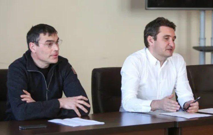 Suporterii arădeni sunt așteptați în Piața Avram Iancu pentru…UTA – Petrolul