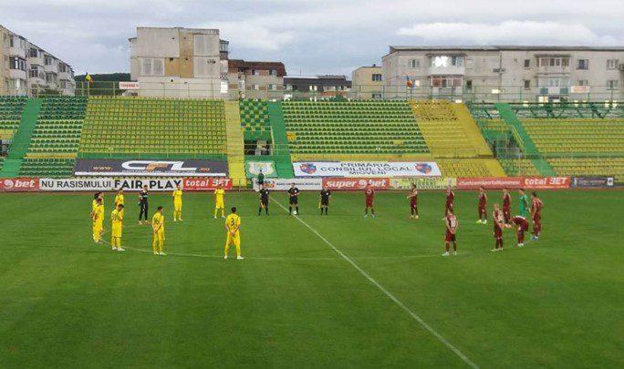 Încă un egal pentru UTA în play-offul ligii secunde: Mioveniul a frânat Rapidul (și) în zece oameni