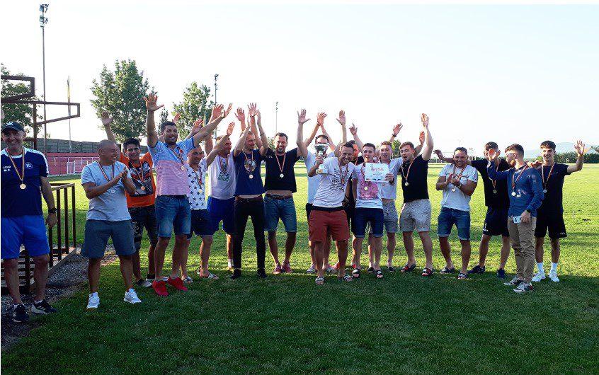 """Zăbraniul și-a luat medaliile de campioni la finalul antrenamentului oficial pentru barajul cu Ezerișul: """"Continuați tradiția Aradului!"""""""