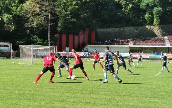Un penalty contestat decide amicalul dintre Reșița și Lipova