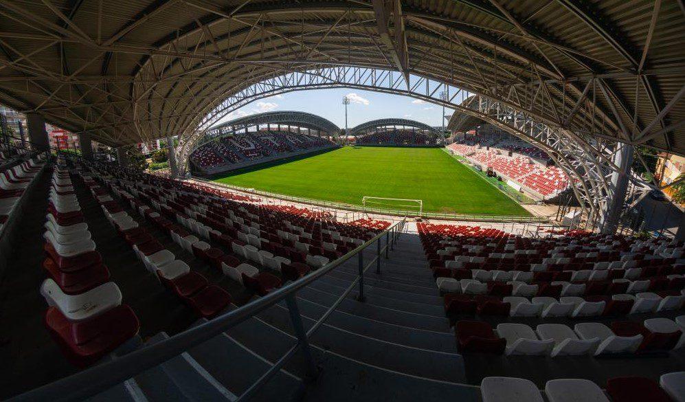 """Primăria va recepționa parțial arena """"Francisc Neuman"""" înainte de meciul cu Voluntariul, problema curățeniei persistă!"""