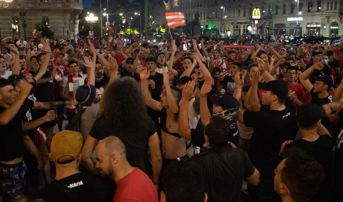 Sărbătoarea utiștilor a început în fața Primăriei