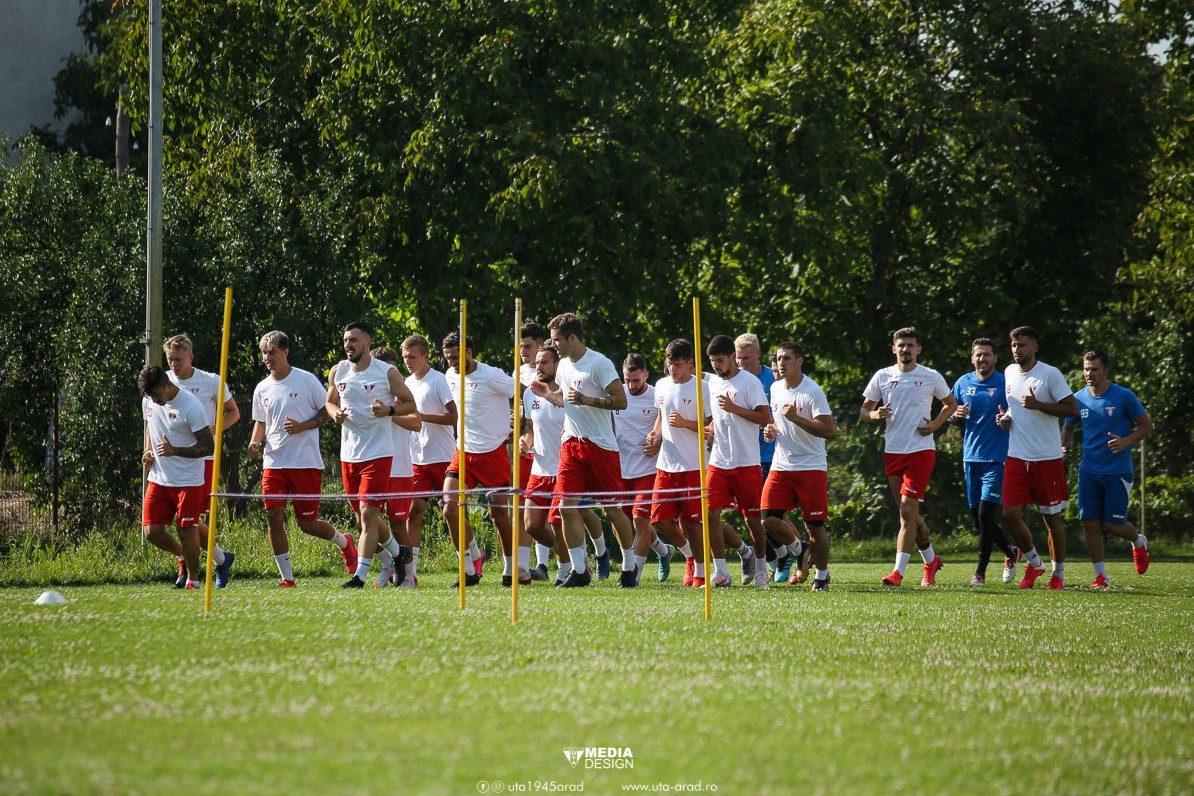 Prima zi dintr-o altă provocare: UTA și Balint au demarat preparativele pentru debutul în Liga 1 cu 23 de fotbaliști!