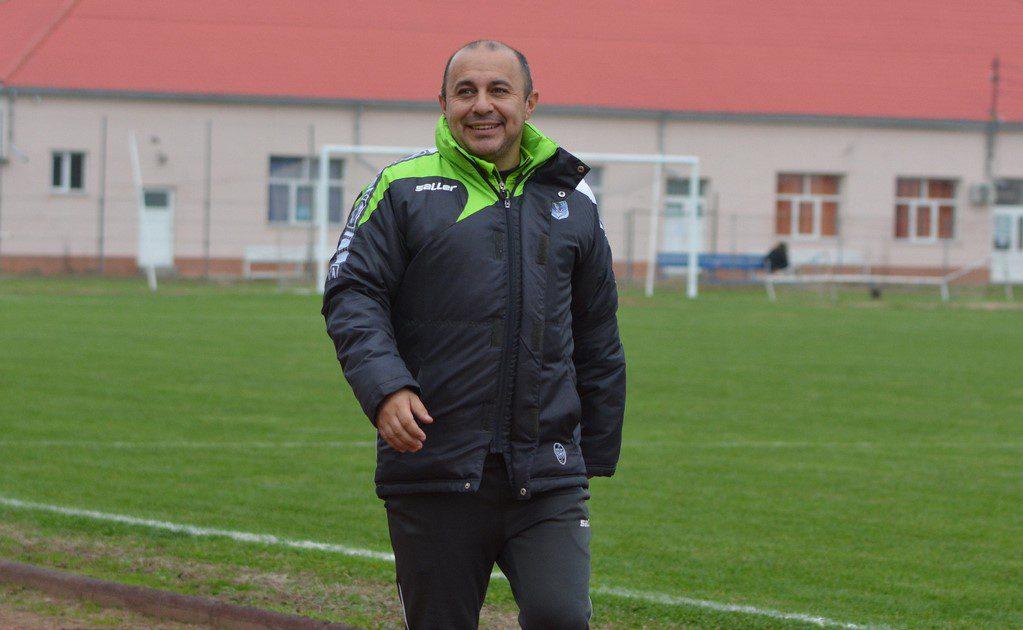 """Crișul e pe locul 1, dar postul de manager al lui Cherecheși se clatină: """"Sunt mândru de băieți, am creat o familie, mă simt împlinit profesional și uman"""""""
