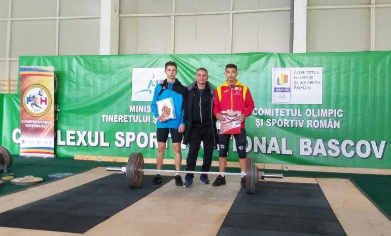 Halterofilul Cosmin Krupla – triplu campion la juniori I, Daniel Jigău – de trei ori bronz