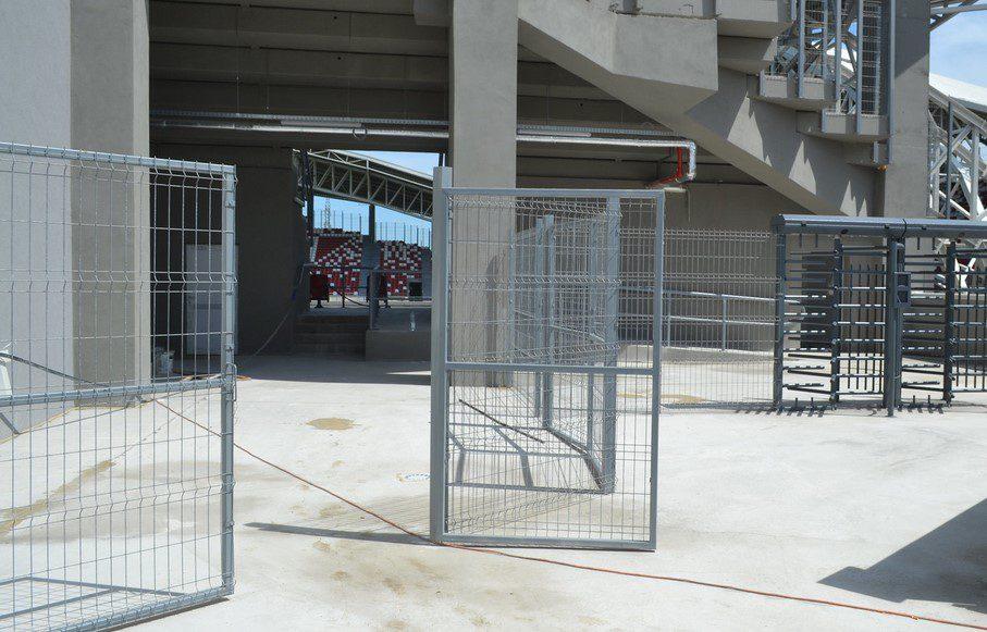 Infiltrațiile de la demisolul stadionului UTA – provocate în special de o eroare din proiect pe care firma constructoare a remediat-o astăzi