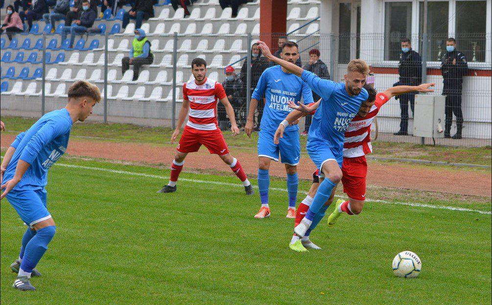 Live-text Liga III-a, ora 15: ACS Poli – Șoimii Lipova 0-1, Fortuna Becicherecu Mic – Crișul Chișineu Criș 0-8, finale