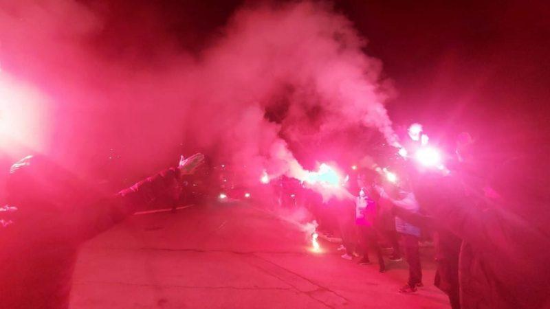 Utiștii, întâmpinați cu torțe pe aeroportul din Arad