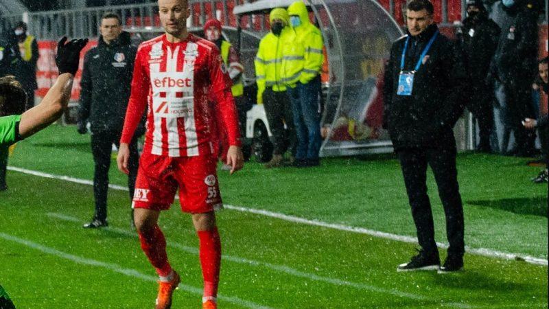 """Shlyakov a debutat cu câteva  faze cheie  la UTA pe postul de fundaș stânga: """"Este categoric un plus, a intrat foarte bine în joc"""""""