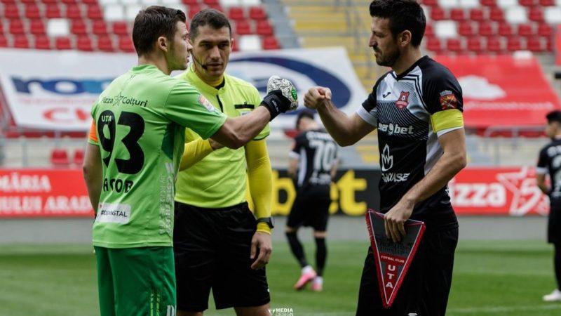 """Kovacs susține că nu i-a vorbit lui Benga: """"Jucătorul UTA-ei mi-a spus că nu am niciun pic de calitate umană, eu nu am răspuns provocării sale"""""""