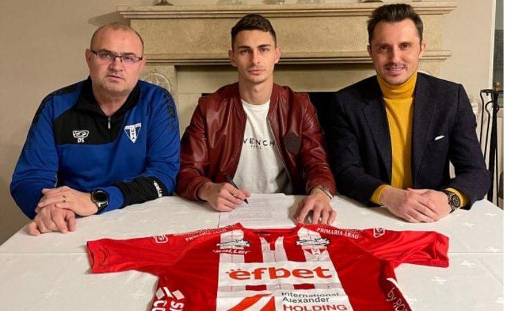 UPDATE! Fundașul lateral, Andrei Peteleu, a semnat cu UTA! Ce spune Meszar despre mutarea lui Oroian la CFR Cluj și colaborarea cu Apostu?