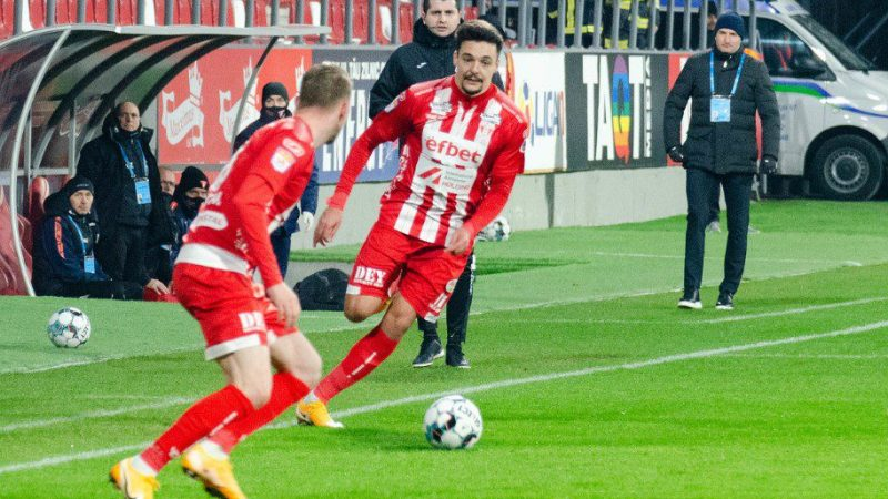 Balint nu crede că FCSB va sacrifica meciul de la Arad pentru derby-ul cu CSA Steaua, cum îl simte antrenorul UTA-ei pe Adi Petre înainte de duelul cu foștii colegi?