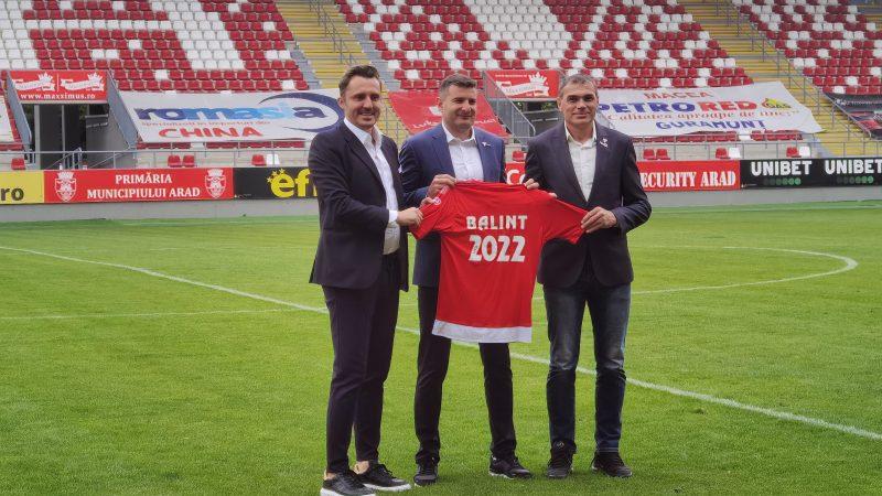UTA i-a prelungit contractul lui Laszlo Balint, care devine al doilea cel mai longeviv antrenor din Liga 1!