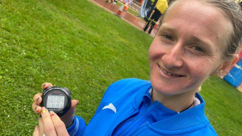 """Studenta"" Liliana Dragomir a doborât recordul naţional la 50 de kilometri şi va alerga la Mondiale!"