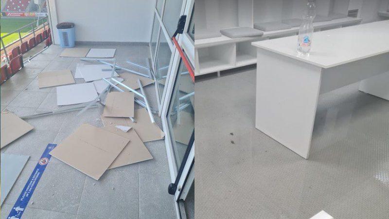 """Având defecțiuni de proiectare, arena """"Francisc Neuman"""" nu putea scăpa nevătămată după furtuna de aseară! + FOTO"""
