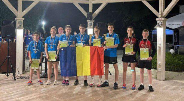 """Alesia Sferlea a urcat de două ori pe podium la  """"balcanicele"""" juniorilor de tenis de masă"""
