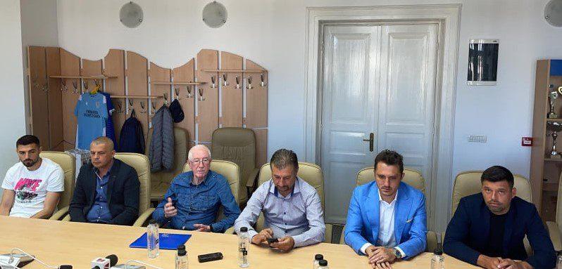 Proiect important pentru camarazii galeriei utiste, în anul centenar al Corvinului: Maxim e noul antrenor, Arnăutu – prima achiziție grea e verii la CS Hunedoara!