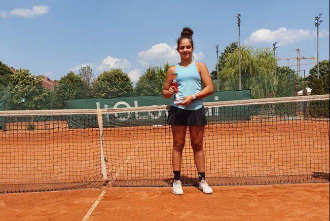 """Tenismena Maria Mateaș s-a întors cu argintul de la """"Meridiana Open"""", din Serbia!"""