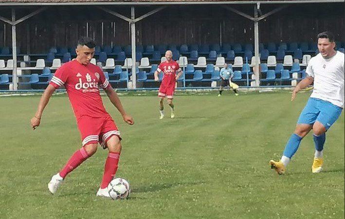 Îngheț pe caniculă în derby-ul amical al divizonarelor terțe din Curtici și Pecica, Gabor a revenit la Progresul!