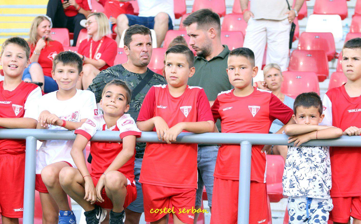 """""""Duminică, toți în roșu!"""" – apelul utiștilor pentru meciul cu FCSB, Balint plusează: """"Ne dorim să îi facem fericiți pe adevărații noștri suporteri"""""""