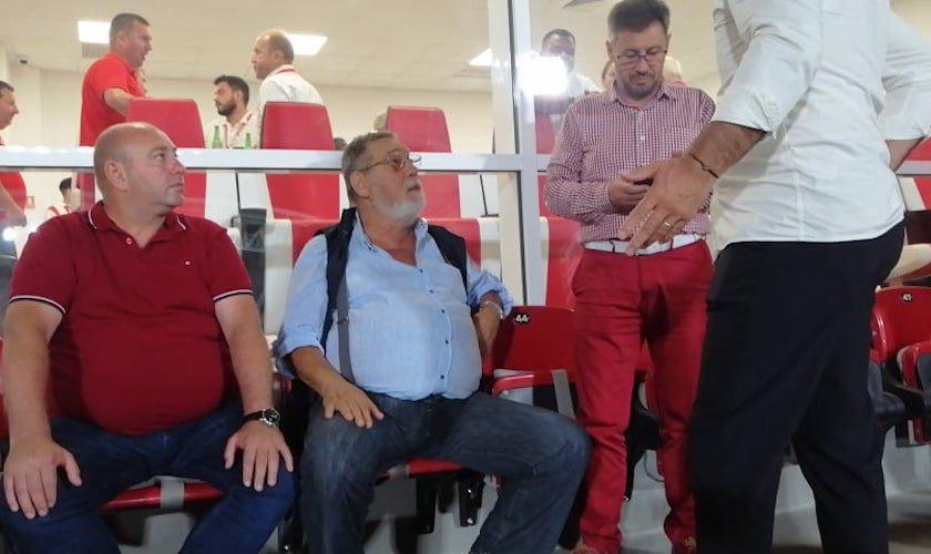 """Apariție surpriză la """"oficiala"""" de pe """"Francisc Neuman""""! Nicolae Bara a venit să o vadă pe UTA după aproape 13 ani: """"Publicul este așa cum mi-l amintesc"""""""