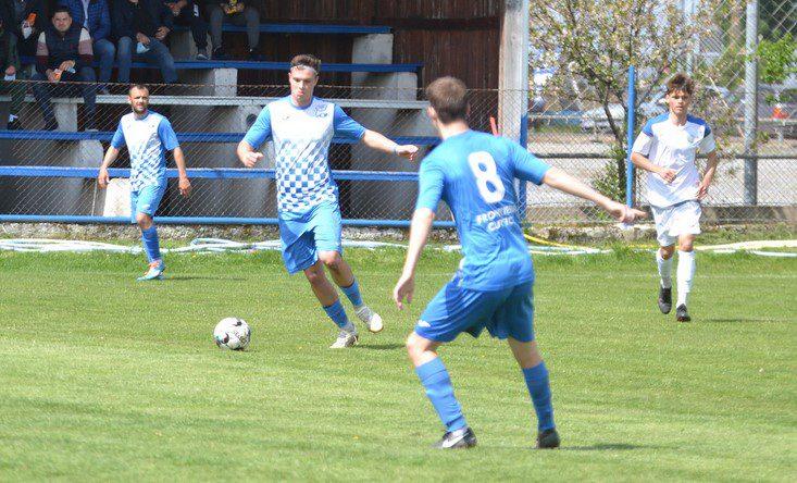 Mițiți a fost la câteva secunde să-și încurce fosta echipă, dar Petcuț nu a fost de acord: Păulişana Păuliş –Podgoria Pîncota 2-1