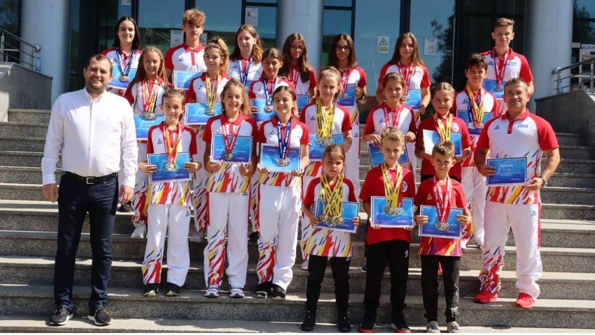 """Sportivii de la """"Tiger Club Karate"""", premiați de CJA pentru salba de medalii naționale!"""