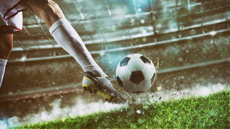 De ce sunt recomandate ghetele cu crampoane pentru fotbaliști?