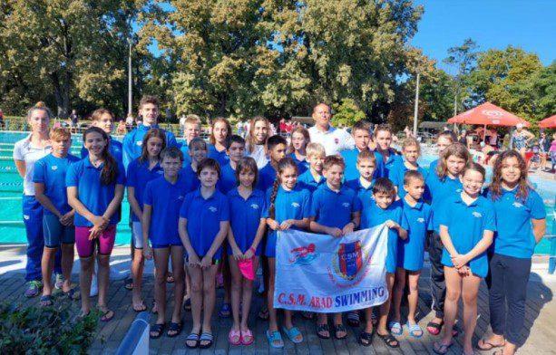 Înotătorii arădeni au făcut valuri la concursul internaţional de la Oroshaza