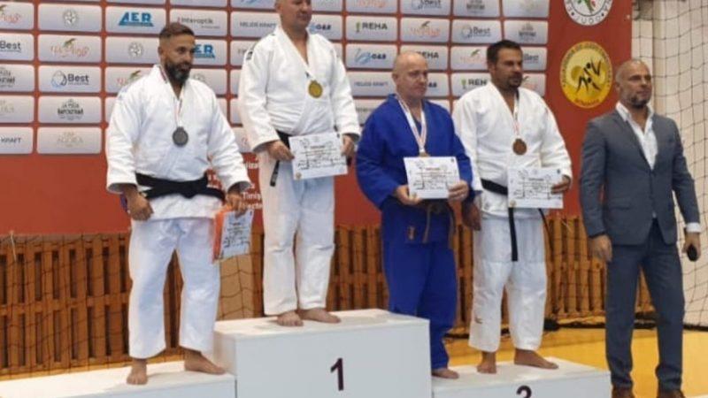 Tată și fiică de la Șoimii Lipova – medaliați la competițiile de judo, din weekend, de la Timișoara