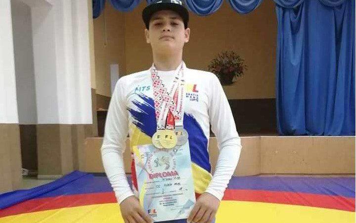 Petrean e campion național la lupte greco-romane, Pășcoi a luat bronzul