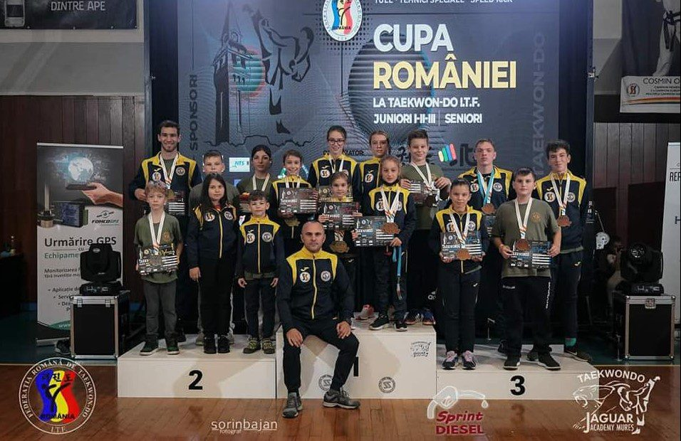 Luptătorii de la Takeda Arad s-au întors acasă cu 15 medalii de la Cupa României de Taekwon-do